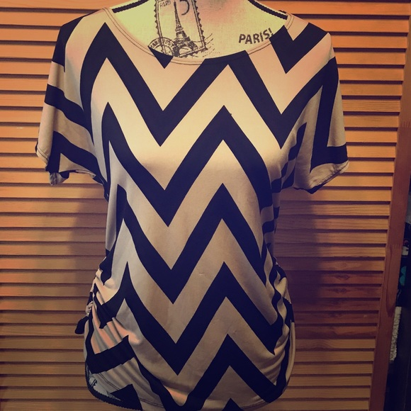 Annabelle Tops - Zigzag top
